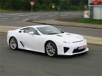 Суперкар Lexus сфотографировали без маскировки