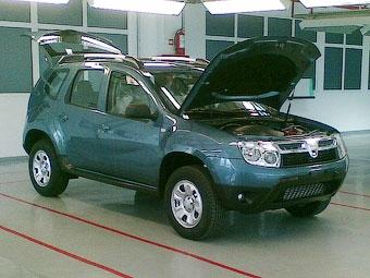 Первый кроссовер Dacia сфотографировали без камуфляжа
