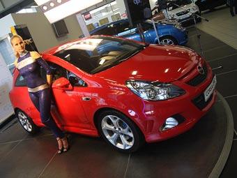 """В Москве открылся первый в мире спеццентр по продаже """"заряженных"""" Opel"""