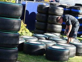 Для Гран-при Малайзии Bridgestone сделает жесткие шины мягче