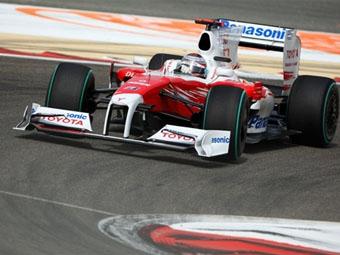 """Пилоты """"Тойоты"""" заняли первую линию стартового поля Гран-при Бахрейна"""