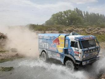 """Фирдаус Кабиров вернул себе лидерство в зачете грузовиков ралли-рейда """"Дакар-2009"""""""