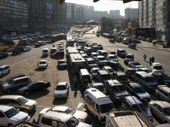 ОМОН разогнал пикет на Некрасовском путепроводе во Владивостоке