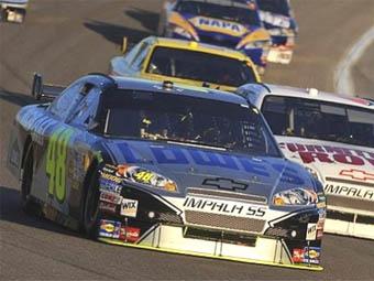 Джимми Джонсон третий раз подряд стал чемпионом NASCAR Sprint Cup