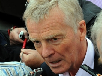 Макс Мосли отказался покинуть пост президента FIA