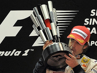 Команда Ferrari официально объявила о подписании контракта с Фернандо Алонсо