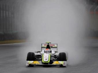 Ливень превратил квалификацию Гран-при Бразилии в хаос