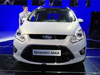 В России новый Ford C-Max будет только семиместным