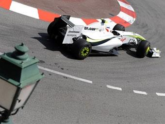 Рубенс Баррикелло показал лучшее время в первой практике в Монако