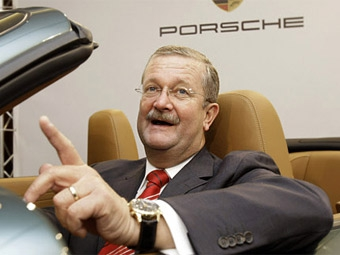 Глава Porsche ушел в отставку из-за альянса с Volkswagen