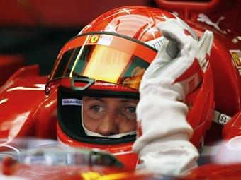Шумахер вернулся за руль Ferrari и выиграл тестовые заезды