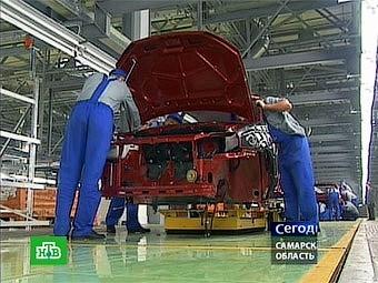 """""""АвтоВАЗ"""" отправит 22 тысячи сотрудников на общественные работы"""
