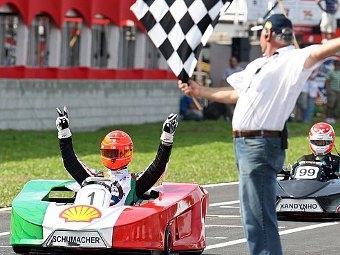 """Шумахер выиграл """"гонку звезд"""" в Бразилии"""