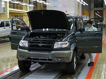 УАЗ возобновит производство на неделю позже запланированного