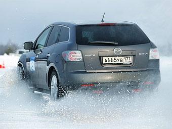 Россиянам запретят ездить зимой на летних шинах