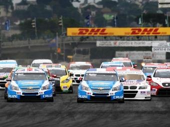 Команда Chevrolet разгромила соперников на первом этапе WTCC