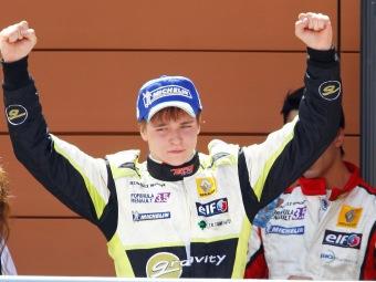 Вторую гонку Формулы-Renault 3.5 выиграл пилот из Эстонии