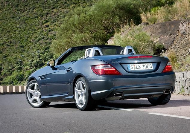 Первый тест-драйв купе-кабриолета Mercedes-Benz SLK. Фото 1