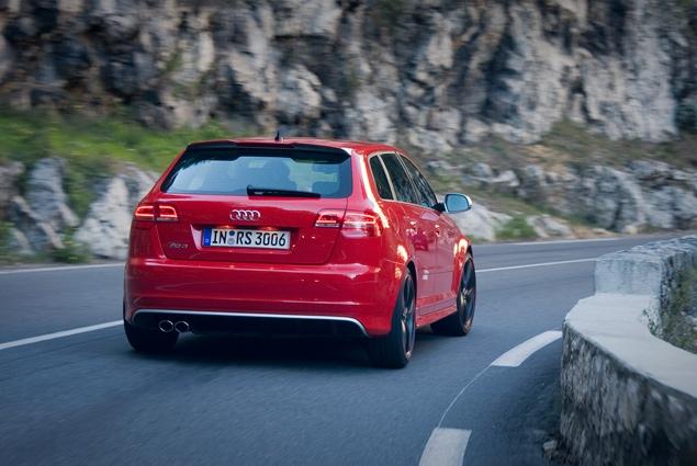 "Тест самого быстрого ""хот-хэтча"" в мире - Audi RS 3 Sportback. Фото 5"