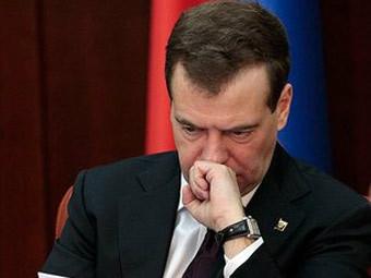 Медведев повысил штрафы за нарушение ПДД