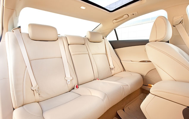 Тест-драйв нового Lexus ES 350. Фото 1