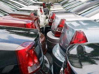 В России продажи новых машин в январе упали на 37 процентов