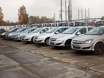 В марте продажи новых автомобилей в России снизились на 7 процентов