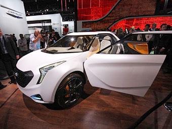 Компания Hyundai показала высокотехнологичный кроссовер для молодежи