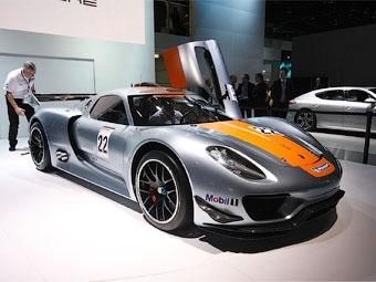 Гибридный суперкар Porsche 918 Spyder приспособили для гонок