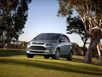 Компания Ford покажет в Детройте два гибрида на базе C-Max