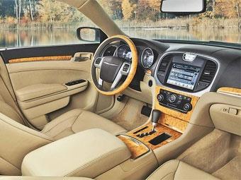 Появилась фотография интерьера нового Chrysler 300C