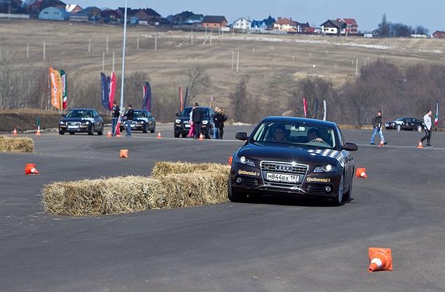 Учимся спортивному вождению в школе Audi