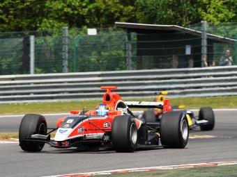 Викенс выиграл первую гонку Формулы-Renault 3.5 в Бельгии