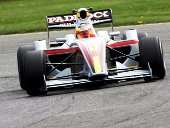 Мики Монрас выиграл вторую гонку Формулы-2