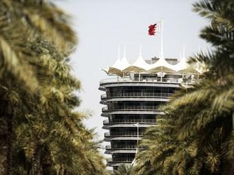 Тесты Формулы-1 в Бахрейне отменили из-за народных волнений