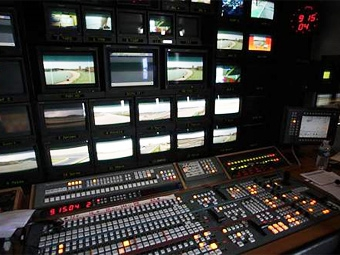 Формула-1 перейдет на HD-трансляции не раньше 2012 года