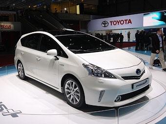 Компания Toyota показала европейскую версию компактвэна Prius