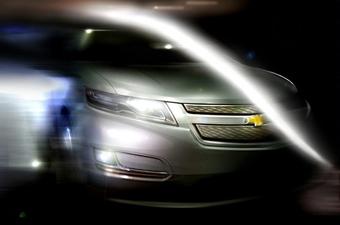 Chevrolet показал первое изображение серийной версии гибрида Volt