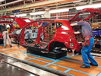 Nissan сокращает производство автомобилей