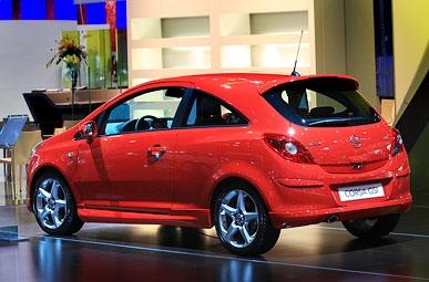 """В Россию привезли """"подогретую"""" версию Opel Corsa"""