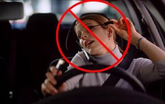 За разговор по мобильному британских водителей будут сажать на два года