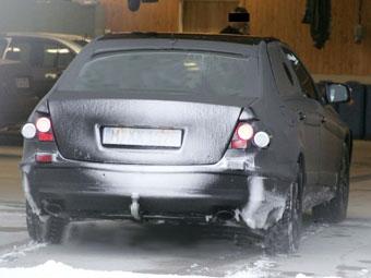 В Интернете появились фотографии неизвестного седана Mercedes