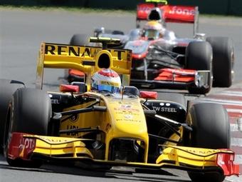 Виталий Петров завоевал первые очки в Формуле-1