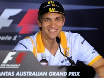 Виталий Петров получил рекордный штраф в Формуле-1