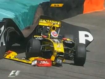 Виталий Петров разбил машину на первой тестовой сессии в Бразилии