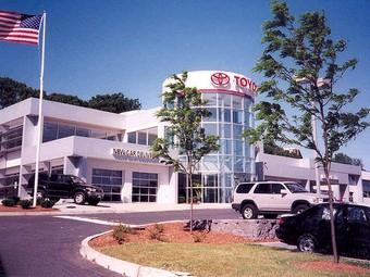Многомиллионные отзывы не уменьшили авторитет компании Toyota