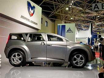 Marussia представила семиместный внедорожник
