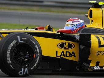 Хозяин Renault F1 готов заменить Петрова на Райкконена