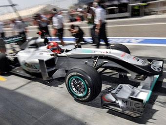 Михаэль Шумахер уступил напарнику в квалификации Гран-при Бахрейна