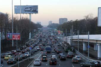 В Москве парализовано движение автотранспорта